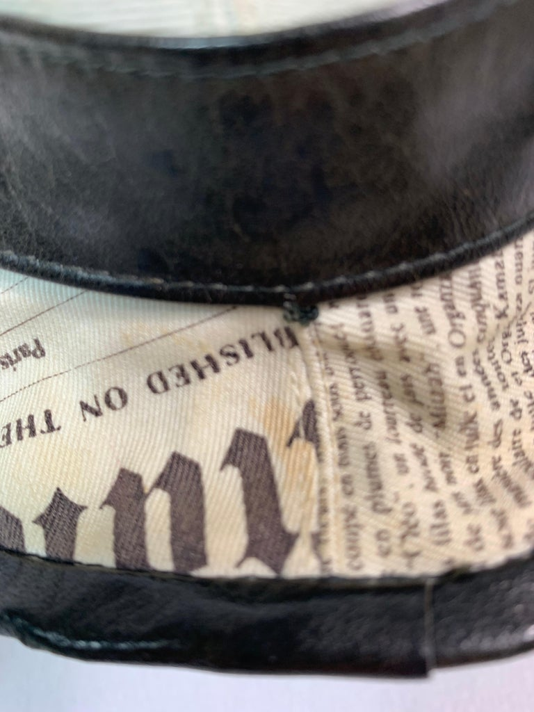F/W 2000 Christian Dior John Galliano Newsprint Logo by Stephen Jones Top Hat For Sale 8