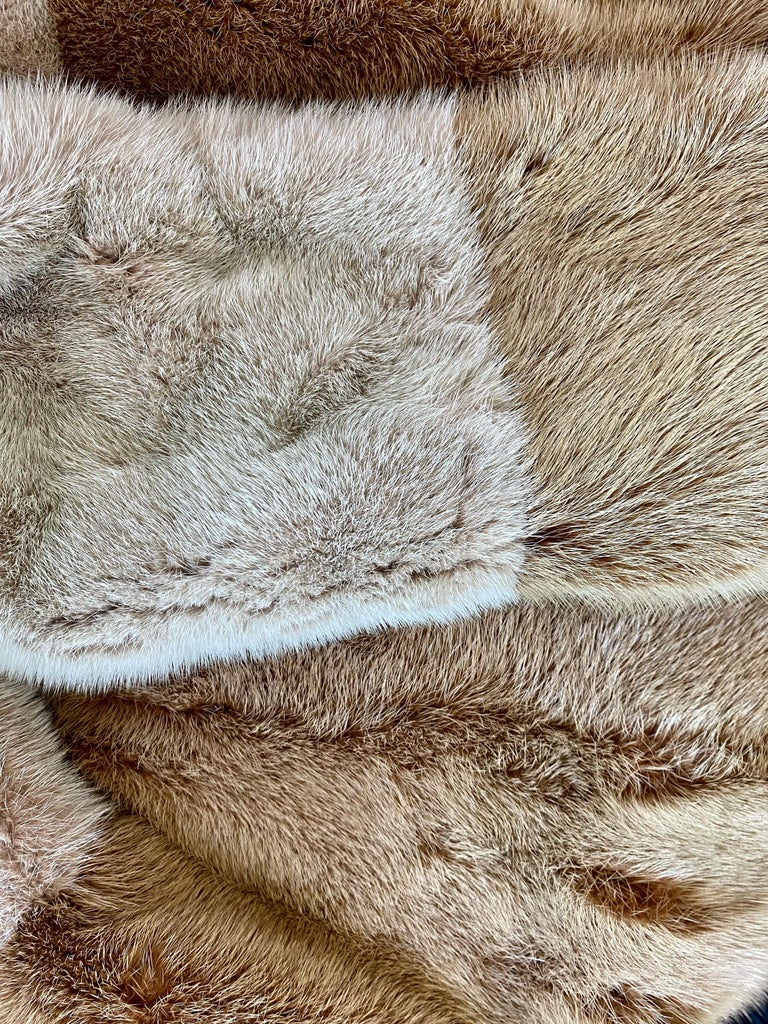 F/W 2000 Gucci by Tom Ford Tricolor Dyed Mink Zip-Up Coat Runway In Good Condition For Sale In Philadelphia, PA