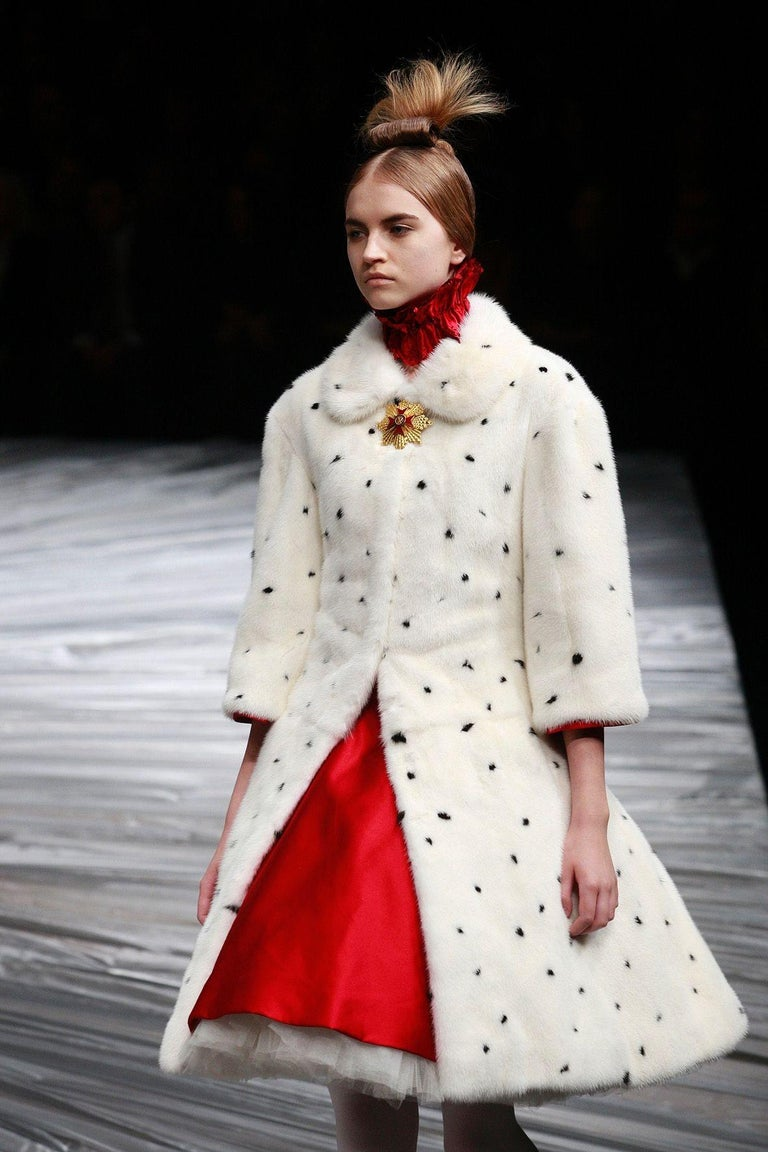 Alexander McQueen  F/W 2008, The Girl Who Lived in the Tree Runway Fur Coat IT Size 40, US 4 Made in Italy  Excellent condition