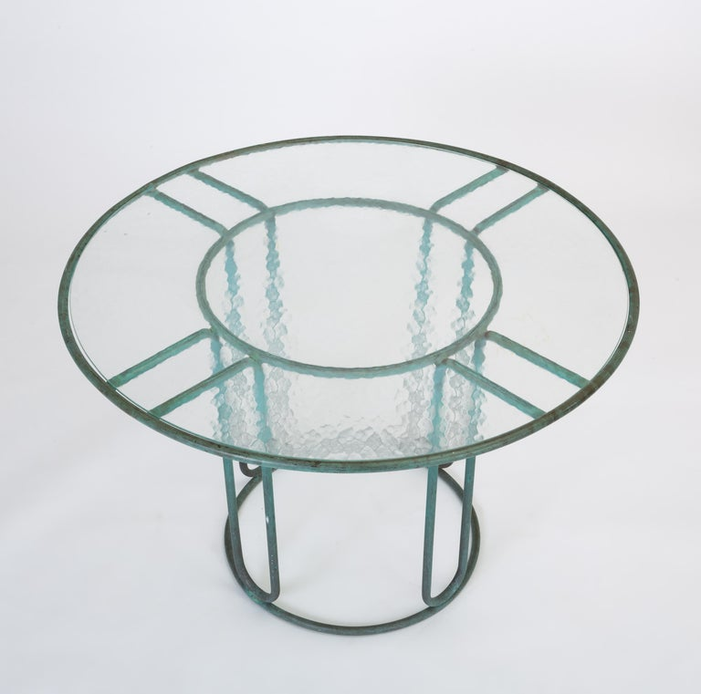 Walter Lamb Round Patio Dining Table with Glass Top In Good Condition For Sale In Los Angeles, CA