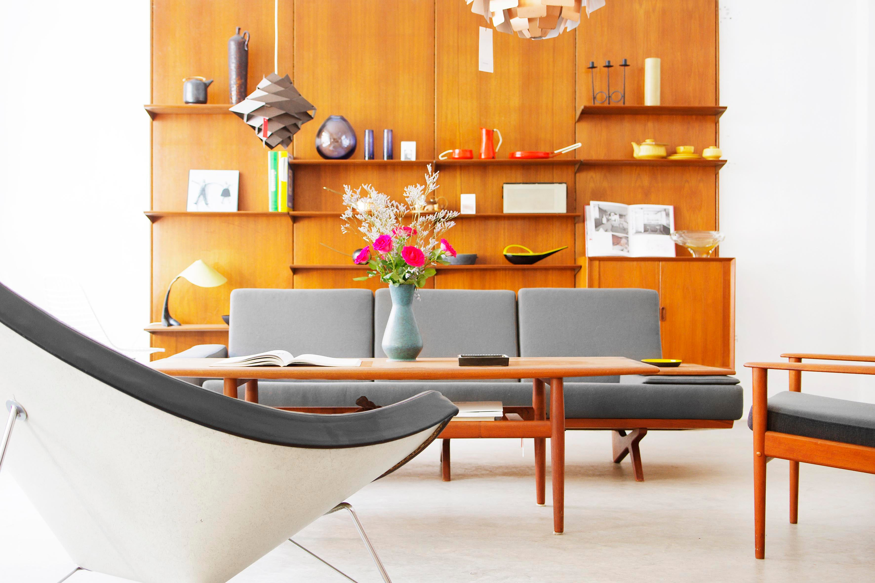 liebe mobel haben berlin 10245 1stdibs. Black Bedroom Furniture Sets. Home Design Ideas
