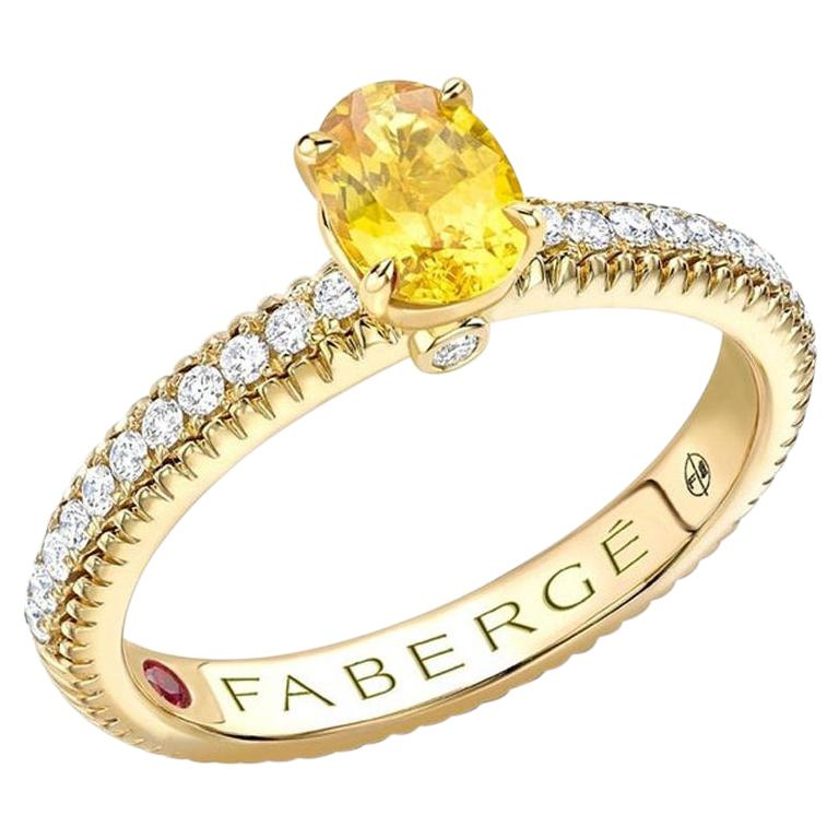 18k Yellow Gold Oval Yellow Sapphire Fluted Ring with Diamond Shoulders For Sale
