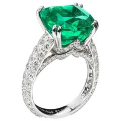 Fabergé Collection Three Colors of Love Gubelin Cert 8.27 Carat Emerald  Ring