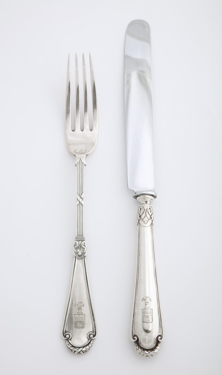 Fabergé Neoclassical Silver Dinner Knife and Fork, Moscow, circa 1900 In Good Condition For Sale In Lewiston, NY