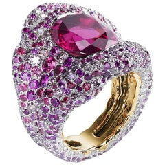 Vagabonde 8ct Red Spinel Chunky Ring With Diamonds & Pink Gemstones in 18K Gold