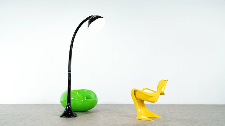 Italian Fabio Lenci, Huge and Important Lampione Floor Lamp, 1971 for Guzzini, Italy For Sale