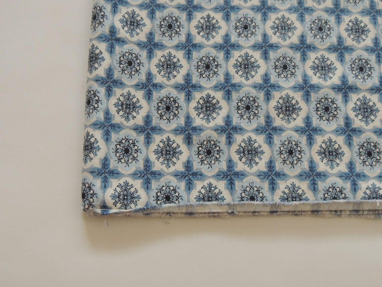 Fabric by the Yard, printed blue and white medallions fabric Type: Cotton. Ideal for upholstery, pillows or shade. Size: 38