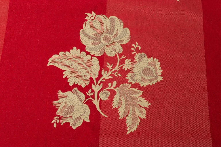 English Fabric Cut Mulberry Lace Damask For Sale