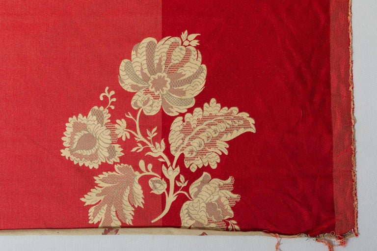 Fabric Cut Mulberry Lace Damask In Excellent Condition For Sale In Alessandria, Piemonte