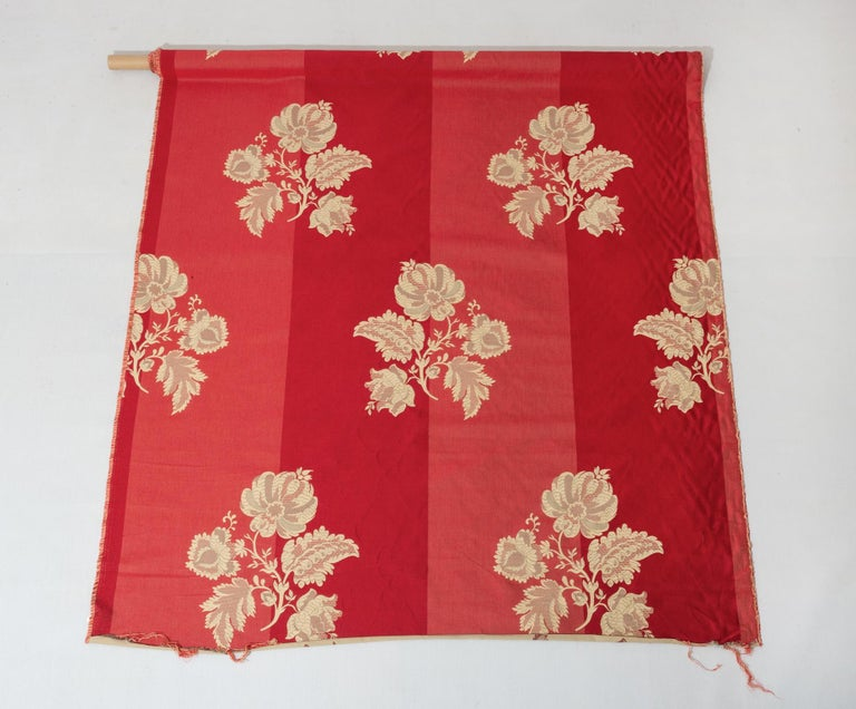 Contemporary Fabric Cut Mulberry Lace Damask For Sale