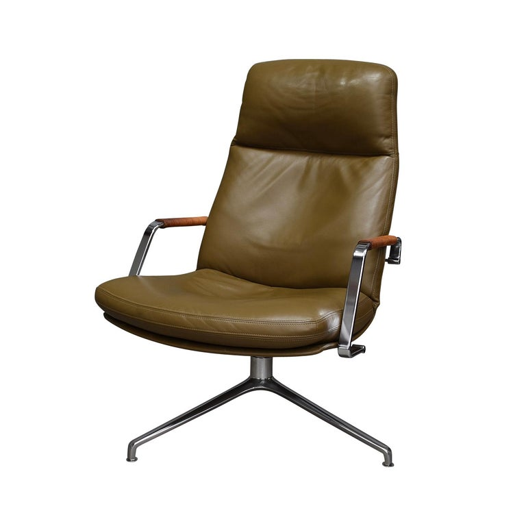 Scandinavian Modern Fabricius and Kastholm FK86 for Kill International Leather Swivel Lounge Chairs For Sale