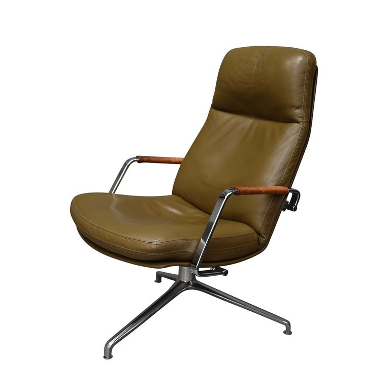 Danish Fabricius and Kastholm FK86 for Kill International Leather Swivel Lounge Chairs For Sale