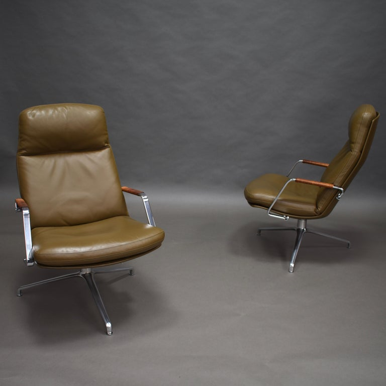 Mid-20th Century Fabricius and Kastholm FK86 for Kill International Leather Swivel Lounge Chairs For Sale