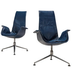 Fabricius & Kastholm Pair of Swivel Chairs Model 'FK 6725' in Blue Leather