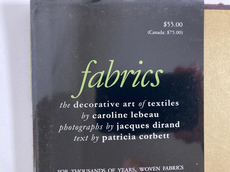 Fabrics The Decorative Art of Textiles Coffee Table Book In Good Condition For Sale In North Hollywood, CA