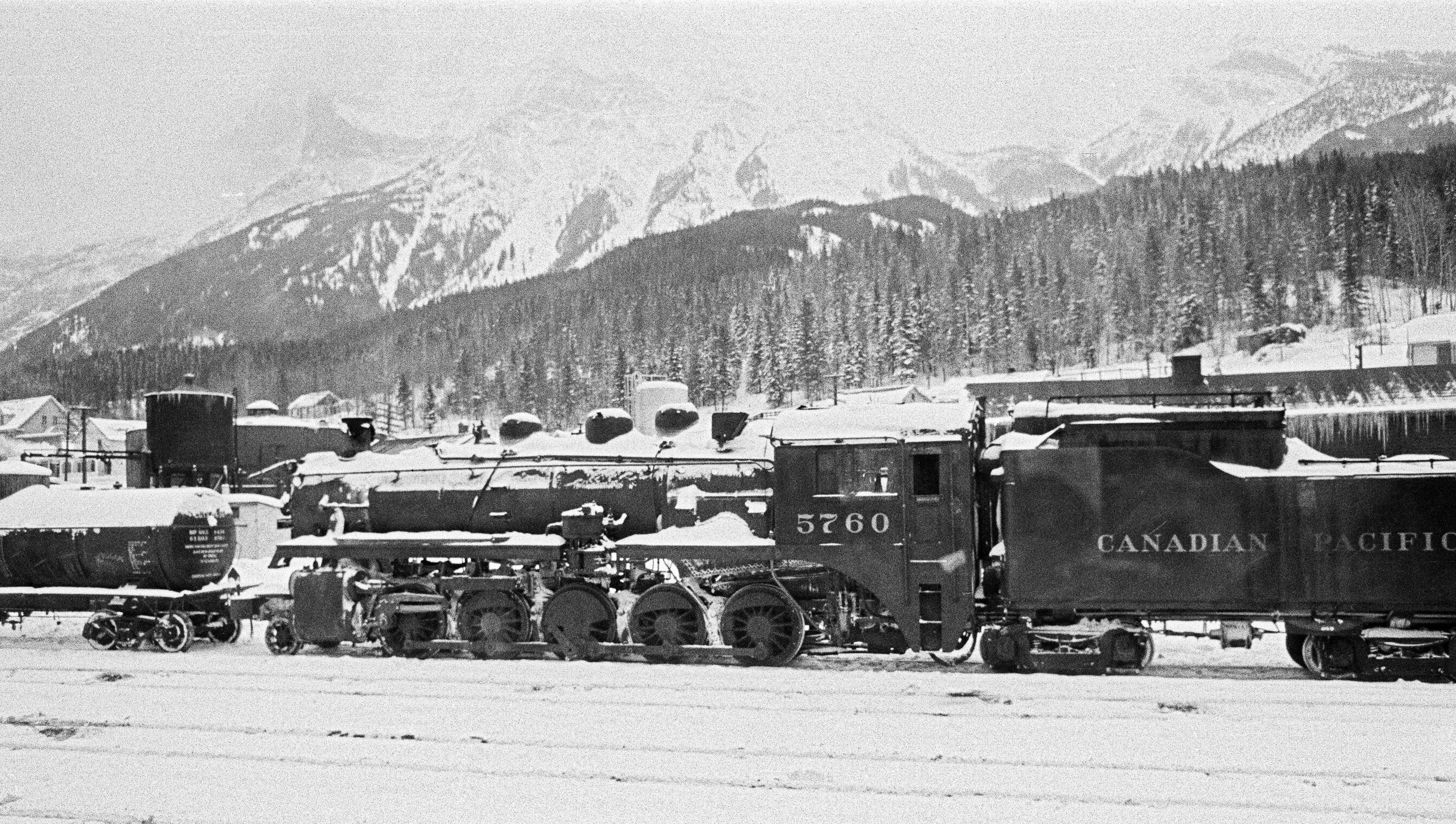 Al Riposo, Canada 1955 - Contemporary Black & White Photography