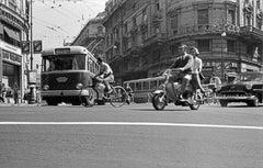 Davanti al Messaggero, Roma 1963 - Contemporary Black & White Photography