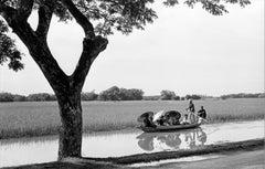 Gita in famiglia, 1961 - Contemporary Photorealist Black & White Photography