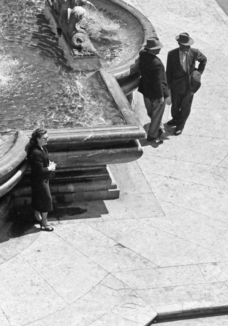 Mezzogiono al Pantheon, 1958  - Roma - Contemporary  Black & White Photography For Sale 1