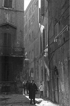Uomini dell'ombra, Roma - 1962 - Contemporary Black & White Photography