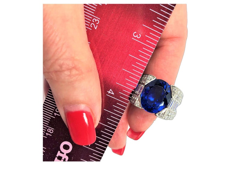 12.06 Carat Oval Tanzanite and Diamond Ring In Good Condition For Sale In Palm Beach, FL