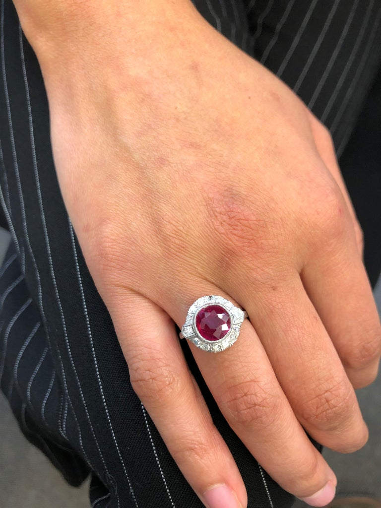 Fabulous Art Deco Ring with Burmese Ruby and Diamonds in Platinum 950 4