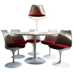 Fabulous Eero Saarinen Tulip Dining Table & Six Tulip Dining Chairs Knoll Studio