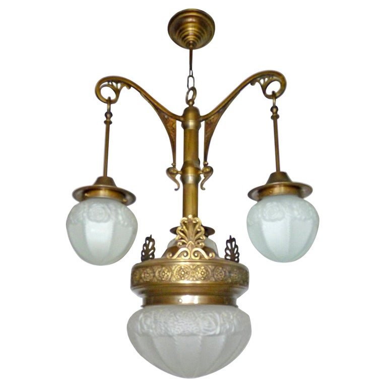 Fabulous French Art Deco Art Nouveau Brass Molded Frosted Glass Chandelier In Good Condition For Sale In Coimbra, PT
