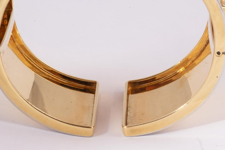 Fabulous Gold and Diamond Elephant Cuff Bracelet In Excellent Condition For Sale In New Orleans, LA