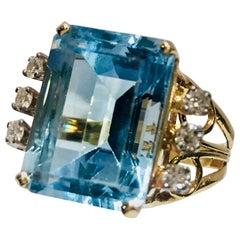 Fabulous Huge 12.4 Carat Emerald Cut Aquamarine and Diamond Yellow Gold Ring