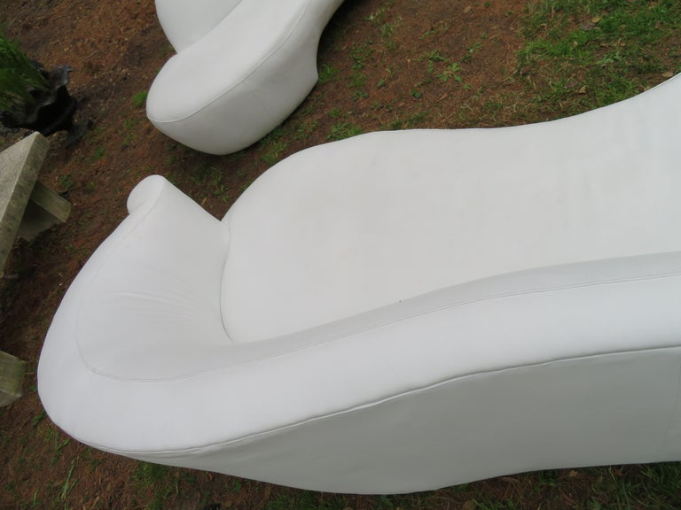 Fabulous Vladimir Kagan White Leather Scrolled Arm Cloud Sofa Weiman 1980s For Sale 4