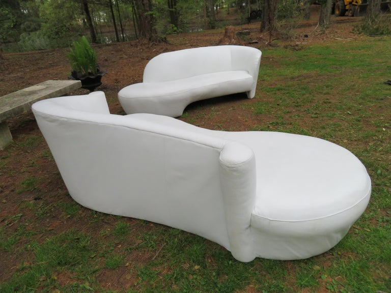 Fabulous Vladimir Kagan White Leather Scrolled Arm Cloud Sofa Weiman 1980s For Sale 6