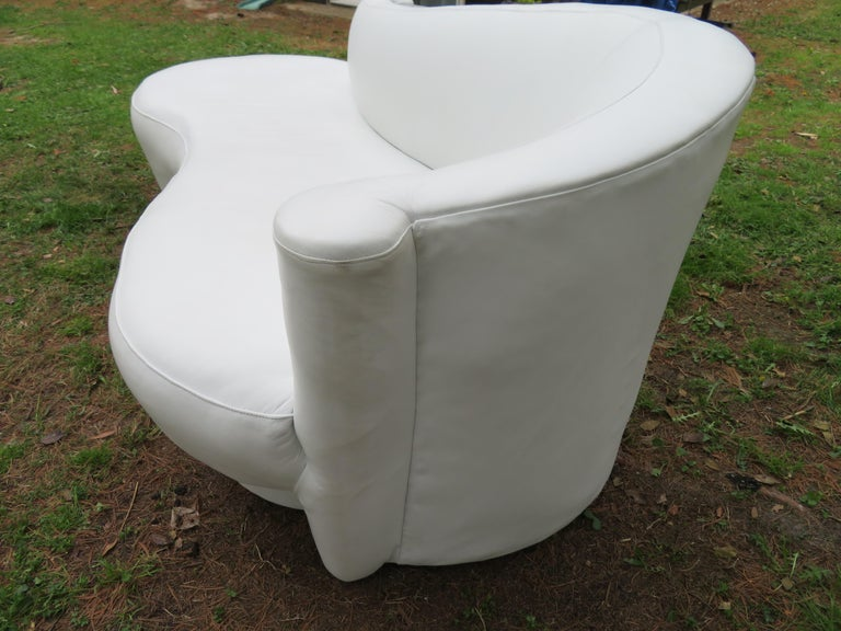 American Fabulous Vladimir Kagan White Leather Scrolled Arm Cloud Sofa Weiman 1980s For Sale