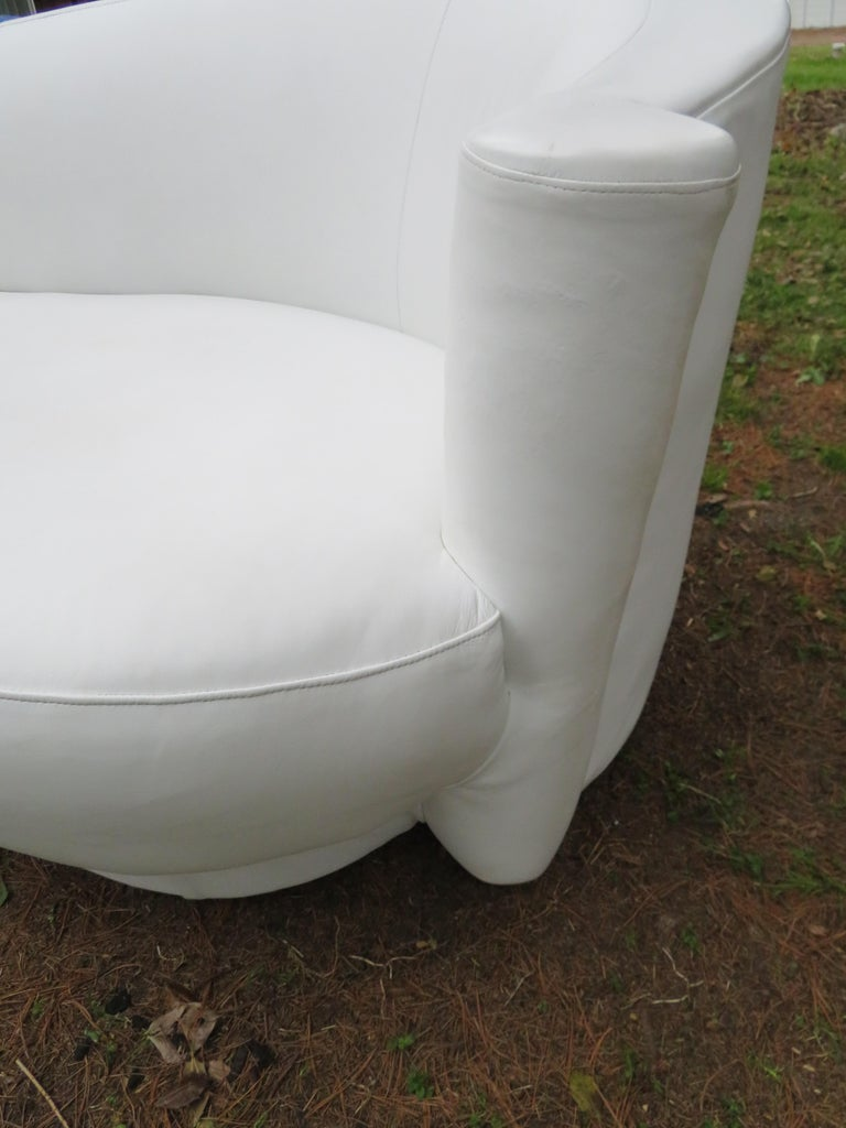 Fabulous Vladimir Kagan White Leather Scrolled Arm Cloud Sofa Weiman 1980s In Good Condition For Sale In Medford, NJ
