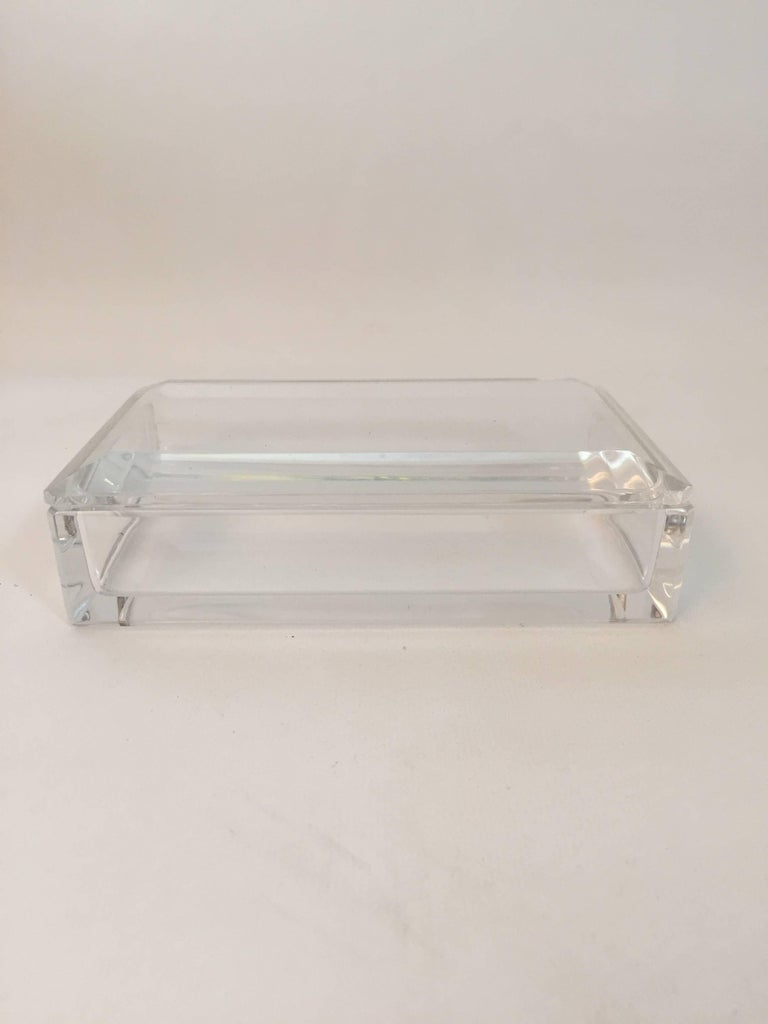 Signed Val St. Lambert crystal box. Val Saint Lambert based in Seraing, Belgium in 1826. Clipped corners and bevelled edges polished to perfect. Simple and elegant design. Excellent original condition, circa 1970. Fully signed with acid stamp.
