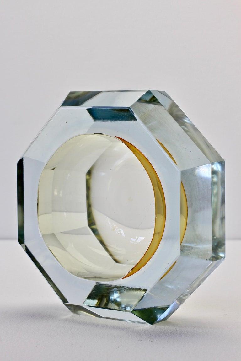 Faceted Murano Sommerso Diamond Cut Glass Bowl Attributed to Mandruzzato For Sale 7