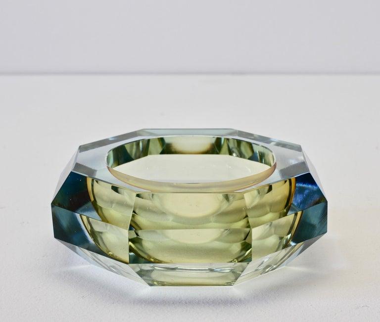 Italian Faceted Murano Sommerso Diamond Cut Glass Bowl Attributed to Mandruzzato For Sale