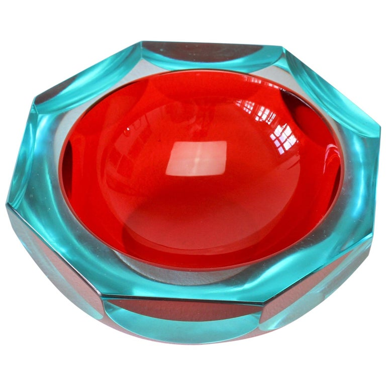 Faceted Red Murano Sommerso Diamond Cut Glass Bowl Attributed to Mandruzzato For Sale