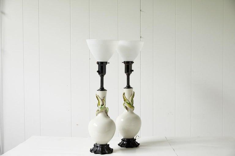 Facing Pair of Art Deco Ceramic Lamps with Birds 7