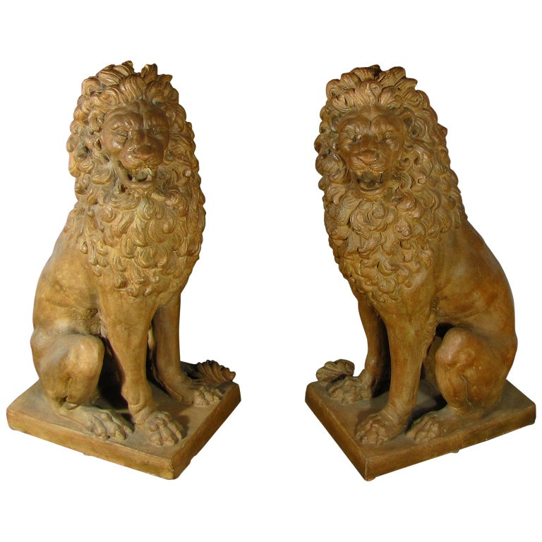 Facing Pair of Early 19th Century Tuscan Terracotta Lion Sculptures For Sale