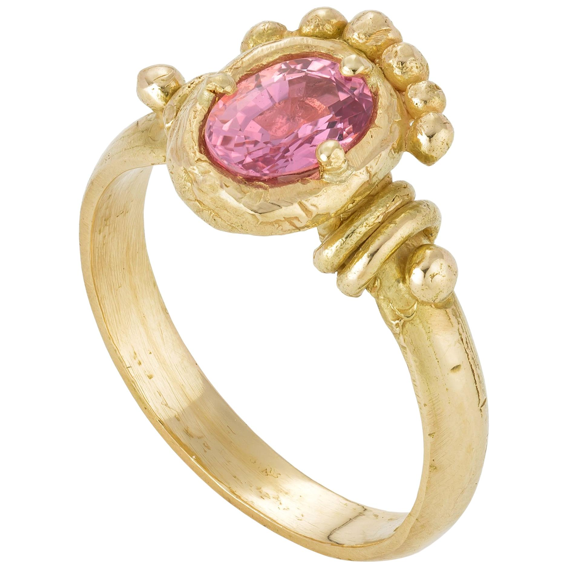 Fajar Ring, 18 Karat Yellow Gold with Sapphire
