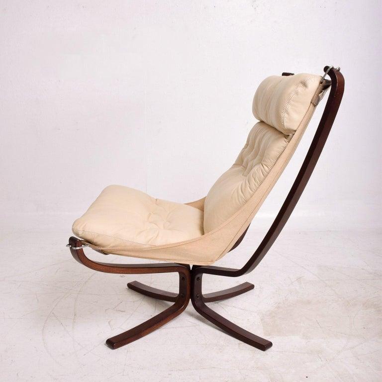 Scandinavian Modern Falcon Chair by Westnofa For Sale