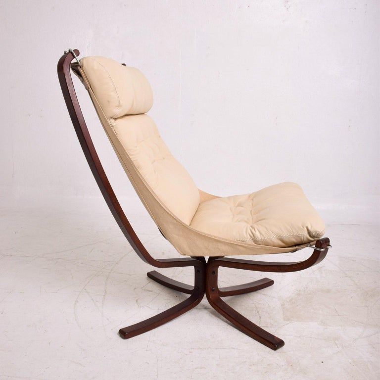 Falcon Chair by Westnofa For Sale 1