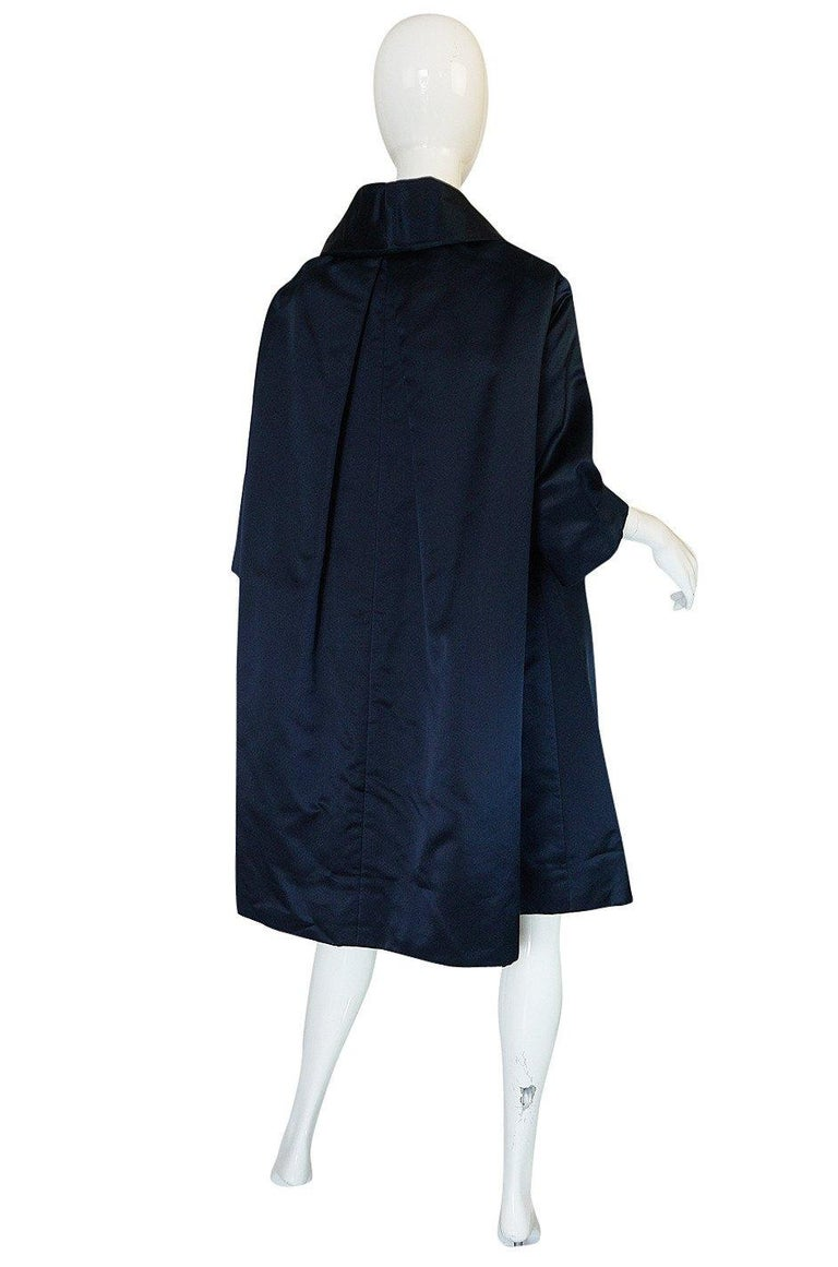 Fall 1958 Christian Dior by YSL Haute Couture Courbe Line Coat In Excellent Condition For Sale In Rockwood, ON