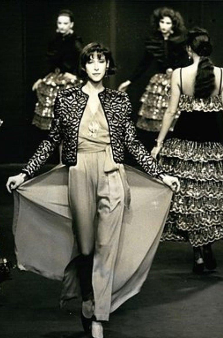 Fall 1981 Chanel Red Lurex and Chenille Cord Skirt and Jacket Set For Sale 10