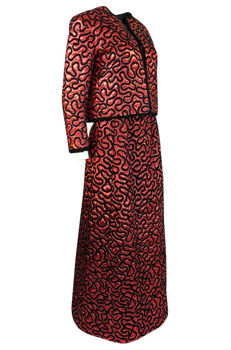 Fall 1981 Chanel Red Lurex and Chenille Cord Skirt and Jacket Set In Excellent Condition For Sale In Rockwood, ON