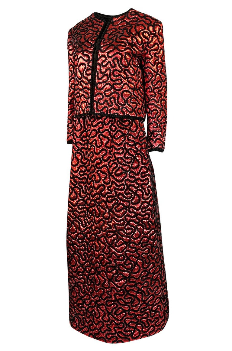 Women's Fall 1981 Chanel Red Lurex and Chenille Cord Skirt and Jacket Set For Sale