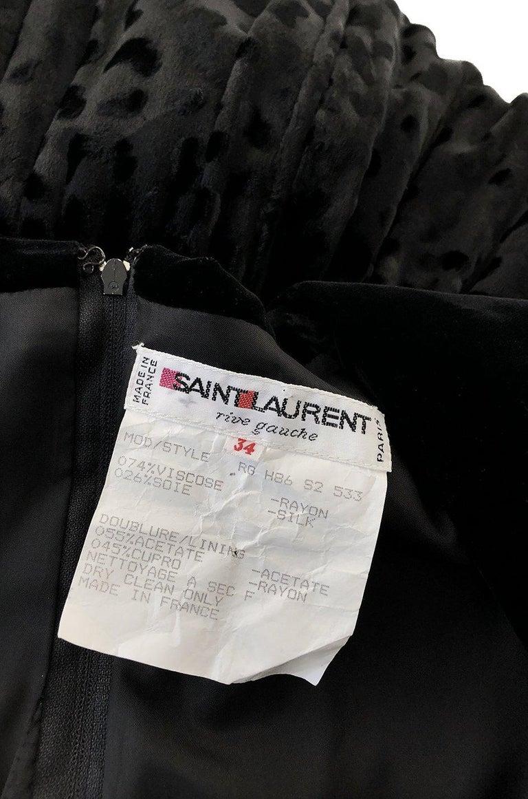 Fall 1986 Yves Saint Laurent Leopard Print Velvet Sweetheart Neckline Dress For Sale 7