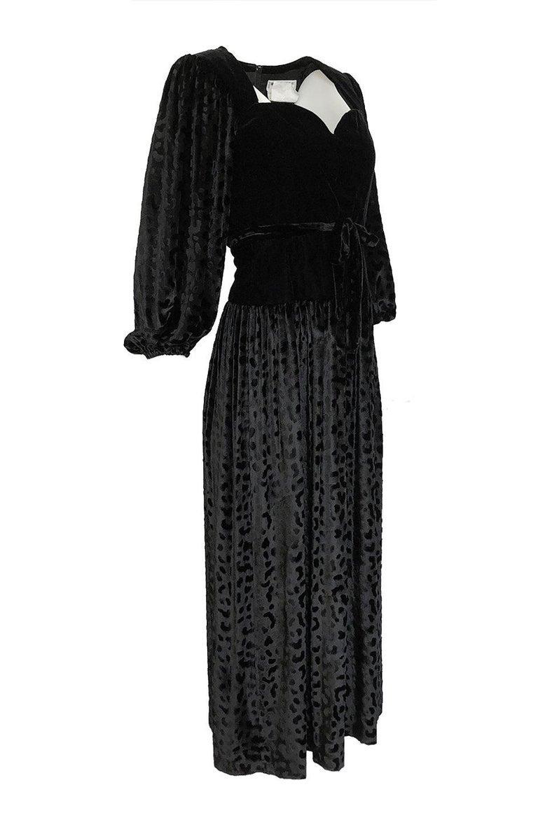 Black Fall 1986 Yves Saint Laurent Leopard Print Velvet Sweetheart Neckline Dress For Sale