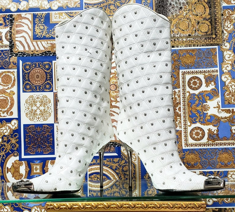 Women's Fall/2013 L# 1 NEW VERSACE WHITE LEATHER STUDDED WESTERN STILETTO Boot 40 - 10 For Sale